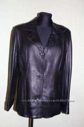 Натуральная кожаная курточка пиджак размер 48. Состояние Новой