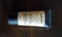 Тональный крем NYX stay matte but not flat