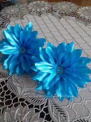 Резиночки для волос с цветами. Ручная работа