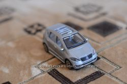 машинка модель 143 Mercedes-Benz A-Class от Maisto