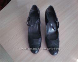 Кожаные женские туфли 39 размера. Снизила цену.
