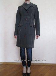 Новое шерстяное элегантное серое пальто демисезон 34-36 размер S Nui Very