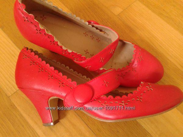 туфлі червоні 38-39. prev 0bdee424cc576