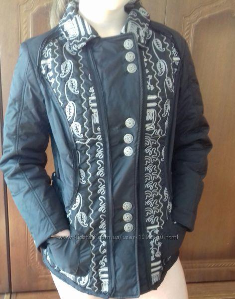 Куртка демисезонная черная с вышивкой серебренной нитью