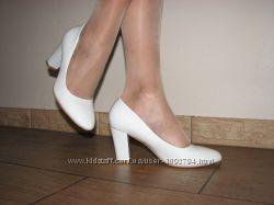 Белые свадебные туфли на устойчивом среднем каблуке 36 37 38 39 40