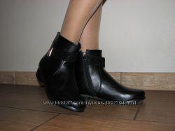 Женские демисезонные черные ботинки на змейке эко кожа больших размеров 41