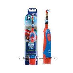 DB4. 510. Тачки Детская зубная щетка Oral-b Braun на батарейках