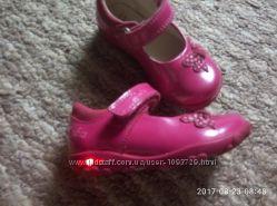 Лаковые туфли CLARKS  с мигалками  4 , 5 G размер 20, 5