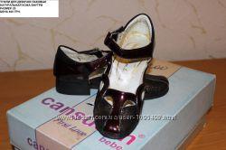 Продам туфли для девочки 25 размер