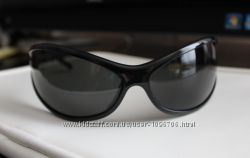 Стильные солнцезащитные очки John Richmond