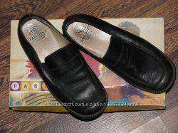 классические школьные туфли 33р. Pablosky