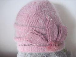 Гарна жіноча шапка