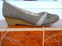 Туфлі Bata нові р. 34