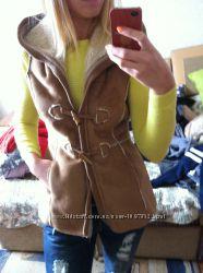 Отличная теплая жилетка Zara размер S M