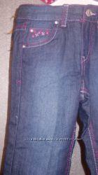 Нові джинси утеплені на маленьку дівчинку.