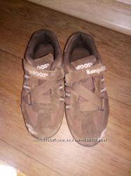 Продам замшевые кроссовки KangaRoos 28 размер