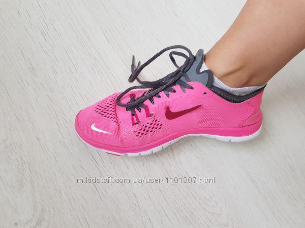 Кроссовки Nike Free TR FIT 4, идеальное состояние