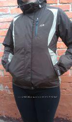 Женская куртка фирмы FIVE seasons размер 36