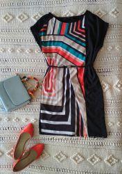 Платье с геометрическими узорами