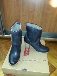 Ботинки кожаные Levi&acutes оригинал р. 5 23 см новые
