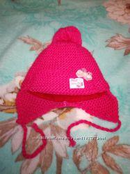 Классная теплая шапочка для малышки