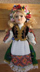Кукла украинка фарфоровая