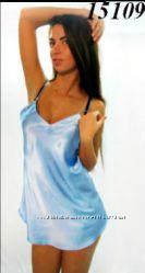 Шелковая ночная рубашка голубого цвета