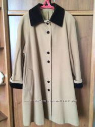Пальто кашемировое с бархатным воротничком