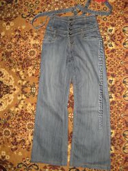 Шикарный фирменный модный джинсовый комбинезон