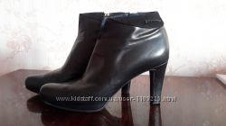 Продаются ботинки женские, р. 40, бу, пр-во Giorgio Fabiani Италия