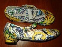 Dolce&Gabbana Италия красивенные туфли на каблучке 29р 18, 5см