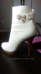 Ботиночки цвета айвори 36 размер