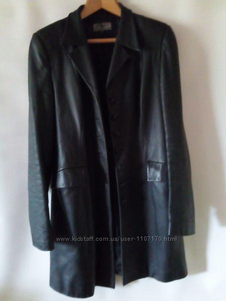 Женский кожаный черный блейзер удлиненный пиджак размер L