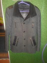Продам стильное молодежное пальто
