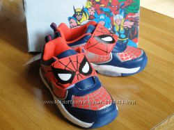 Кроссовки со Спайдерменом и Миньеном со светодиодами , бренд Disney, Англия
