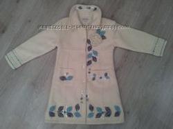нарядное шерстяное пальто на девочку 4-6 лет