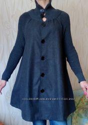 Стильное новое комбинированное пальто с вязаными рукавами.