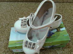 Туфли белые лаковые бу 30 р