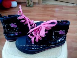 Высокие кеды фирмы Hello Kitty для девочки