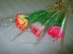 Цветы с конфетами в индивидуальной упаковке