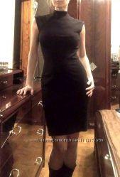 Черное красивое трикотажное платье