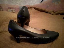 Туфли-лодочки, кожа 37 размер