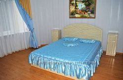 Покрывало для двухспальной кровати с с двумя подушками