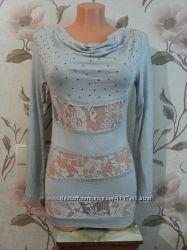 Очень красивая новая нарядная кофточка-блузка с вставками гипюра