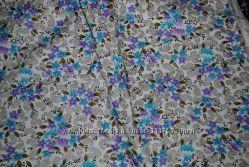 Ткань разноцветная яркий голубой фиолетовый цветок букет отрезок
