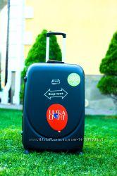 Чорна валіза пластикова Черный чемодан дорожный без предоплат