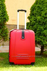 Красный яркий чемодан пластиковый большой средний маленький без предоплат