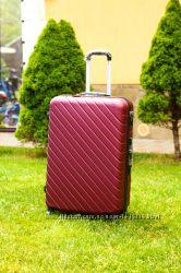 Бордовый пластиковый чемодан большой маленький средний марсала валіза