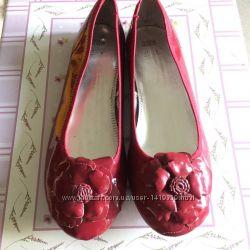 Новые женские балетки туфли лодочки фирменные вишневые  Marks & Spencer