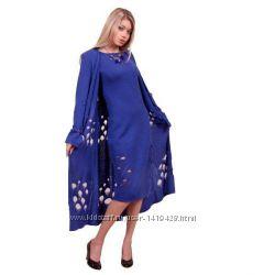 Трикотажное платье-пальто.